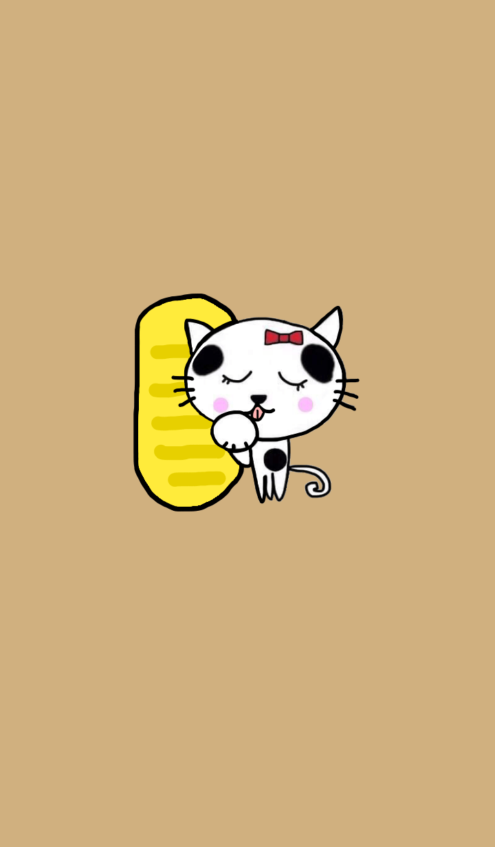 Tabby cat & oval gold coin.Milk tea1