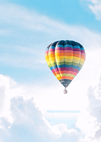 ธีมไลน์ Hot air balloon in the clouds