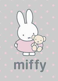 ธีมไลน์ miffy ลายจุด